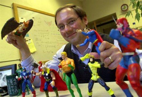 O καθηγητής Jim Kakalios, διδάσκει φυσική με τους θρυλικούς υπερήρωες στο Πανεπιστήμιο της Μιννεσότα   (Φωτογραφία:  Associated Press )