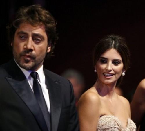 Javier-Bardum-Penelope-Cruz-Married-500x451