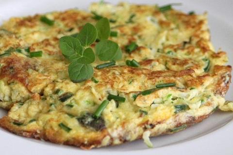 Zucchini-Herb-Omelette