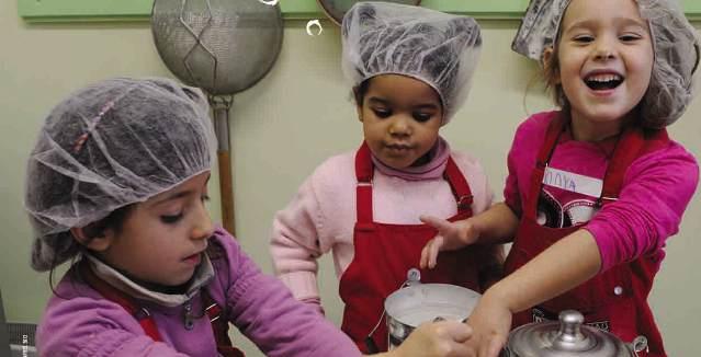 Φτιάχνω μπισκότα στο Παιδικό Μουσείο~362458-290-1(1)