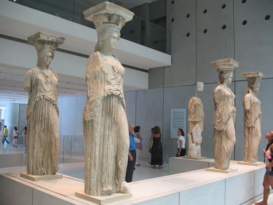 1.1246621030.women-statues-at-acropolis-museum