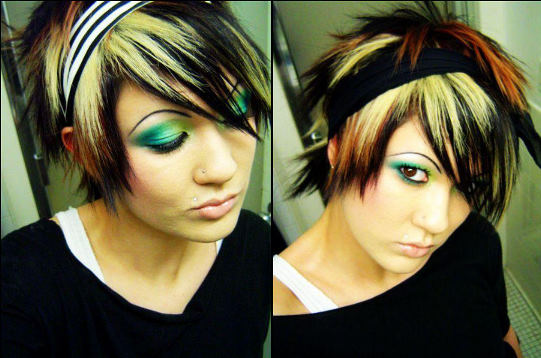 Short Emo Hairstyle for Women