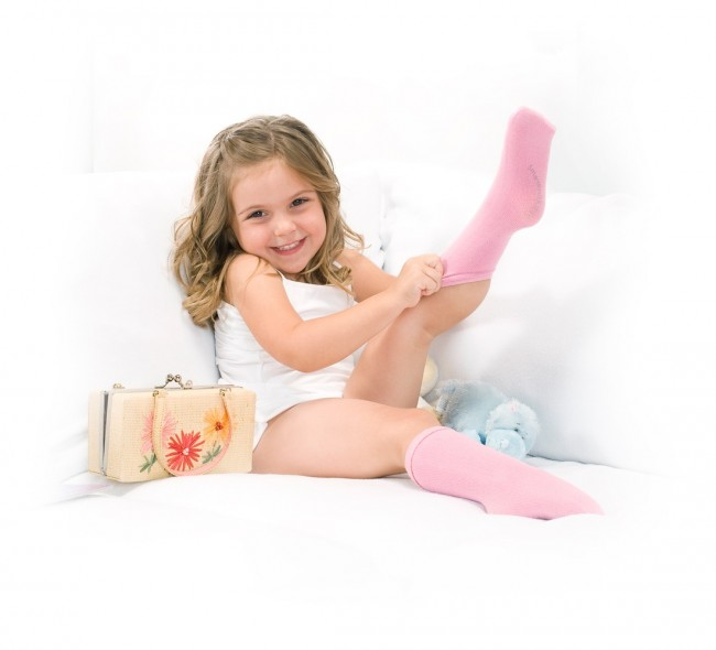 SmartKnitKIDS-Seamless-Knee-High-Socks-Lifestyle