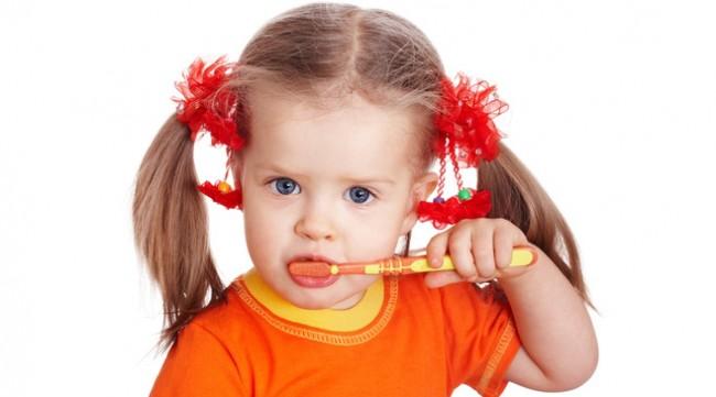 kid-brushing-teeth