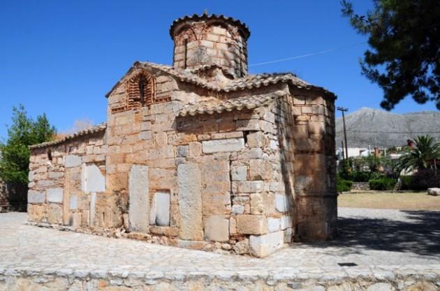 2steps_byzantine_church_st_john_ligourio_epidavros_argolida_003