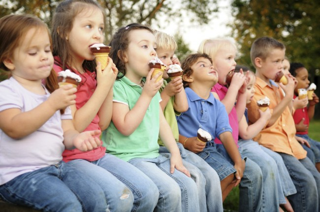 Kids-eating-Ice-Cream