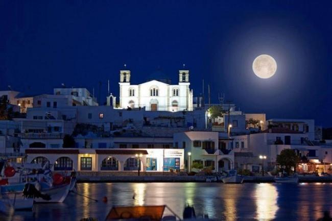 Lipsi-Island-Full-moon-Greece-by-Vagelis-Petalias