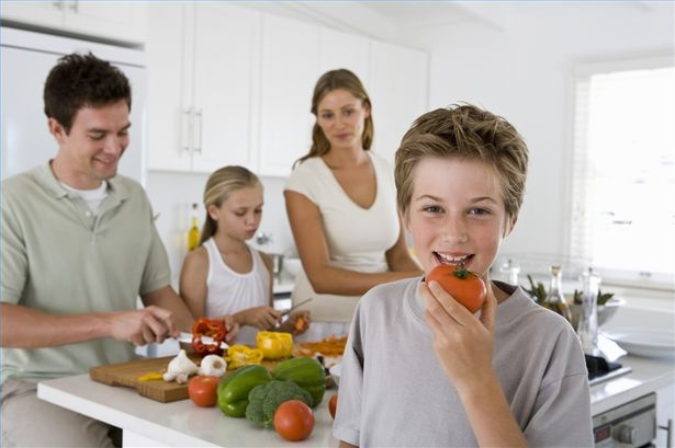 article-new_ehow_images_a01_uk_pr_encourage-children-eat-healthy-800x800