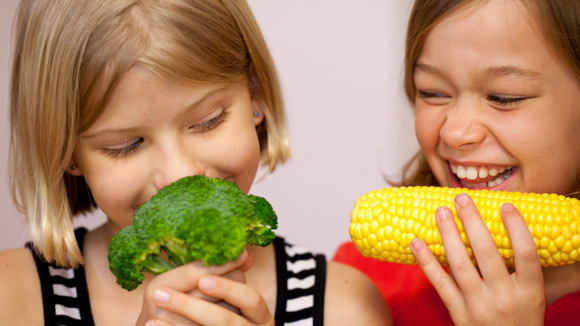 d70fc222dd37ec00d5453996b69d0338_get-kids-to-eat-vegetables-really-580x326_featuredImage