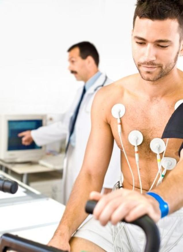 shutterstock-man-heart-exam