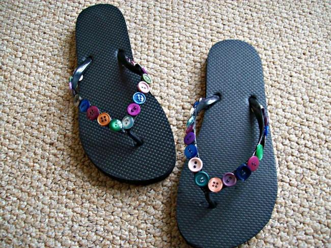 button flip-flops diy