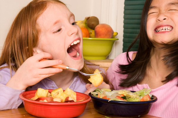 friends-eating-fruit-and-salad