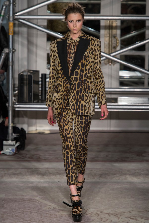 Moschino-Cheap-And-Chic-Fall-Winter-2013-2014-RTW-10-600x899 leopard prints