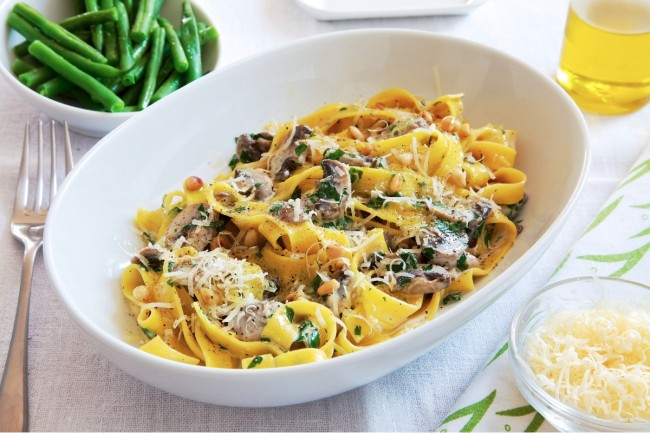 Mushroom_Stroganoff_with_Tagliatelle_and_Beans