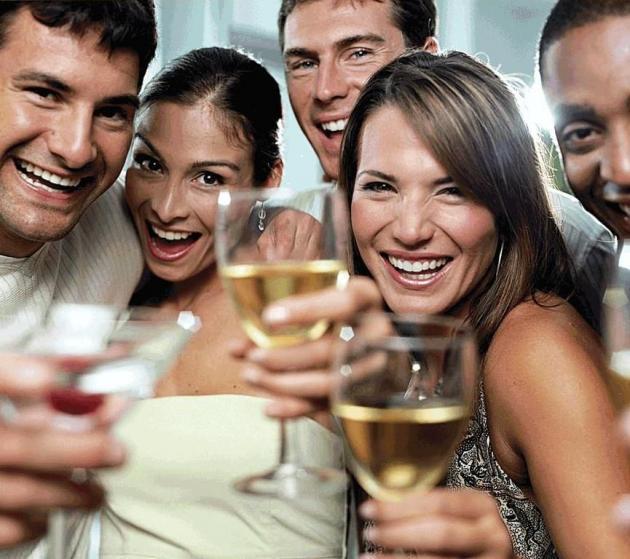 _drinking_wine_