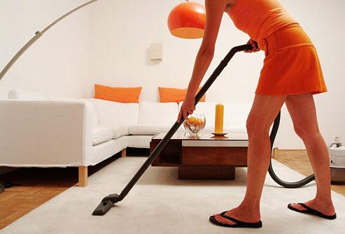 woman_vacuuming