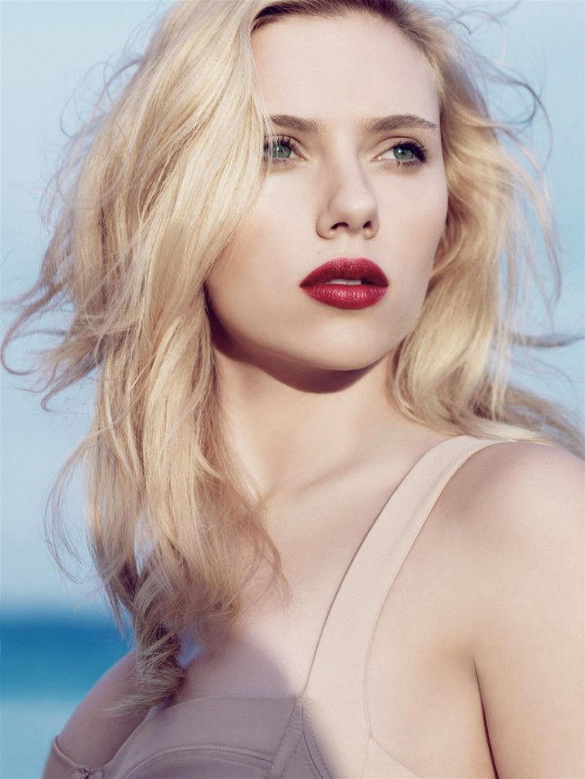 Scarlett_Johansson_1110_06