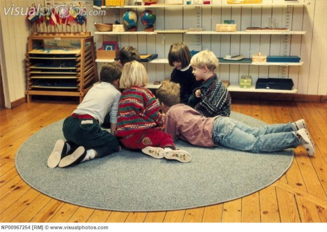 small_group_of_children_playing_indoors_NP00967254