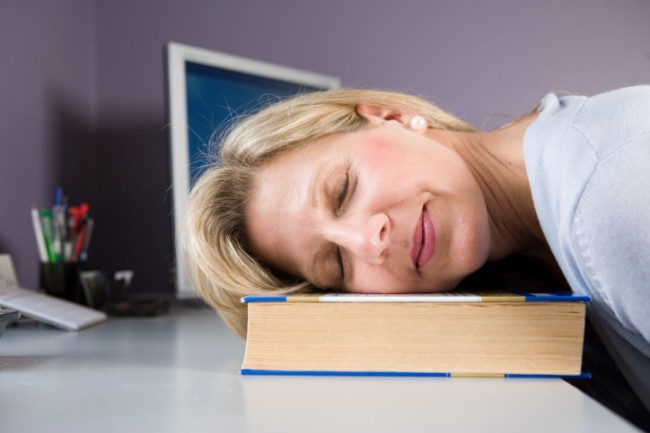 tired-woman-at-desk