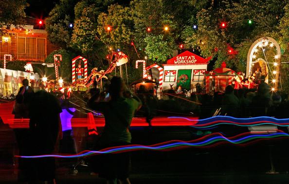 Boulevard+Christmas+Lights+Display+Illuminates+40o_Lk2_Aoal