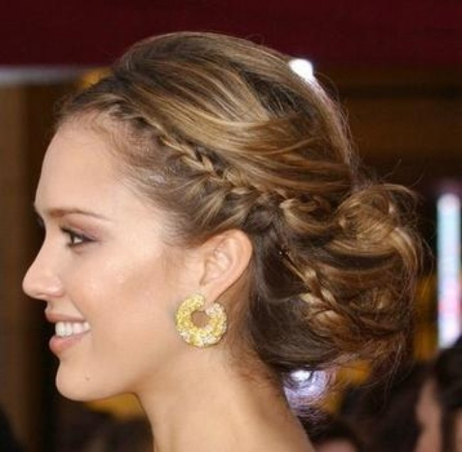 Easy_Summer_Updos_For_Long_Hair_36