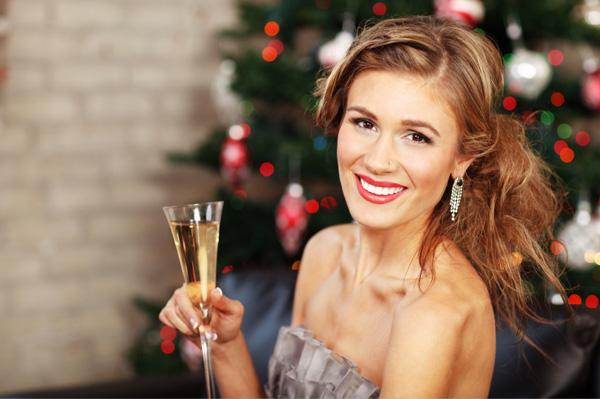 single-woman-at-christmas-party