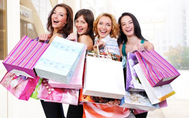 24411-hd-women-shopping