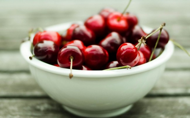 Bowl-Of-Cherries-1050x1680