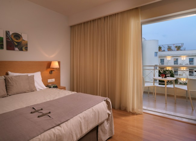 Elefsina Hotel Room