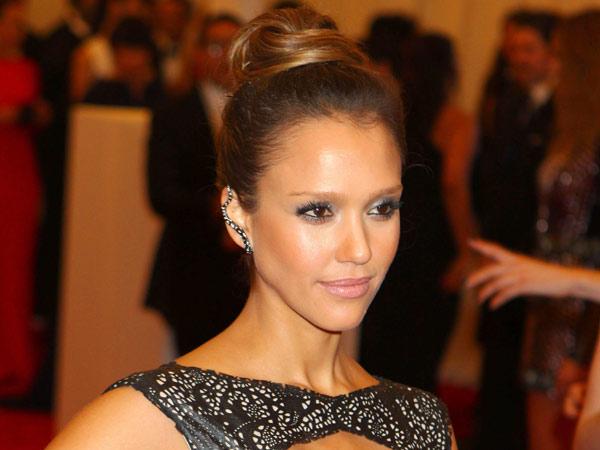 Jessica-Alba-Met-Gala-Hair-photolist