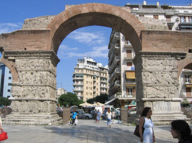 arch-of-galerius-in-thessaloniki-greece