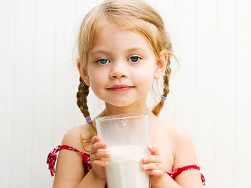 child_and_milk