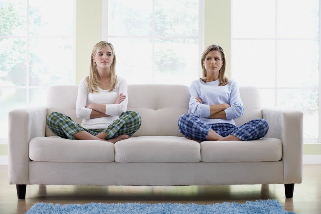 parent_couch_teen