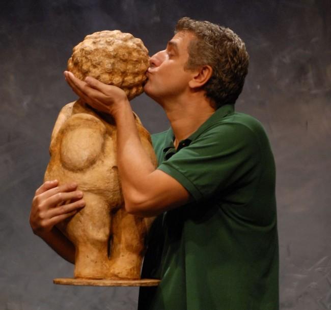 Afroditi-von-Willendorf-Caveman
