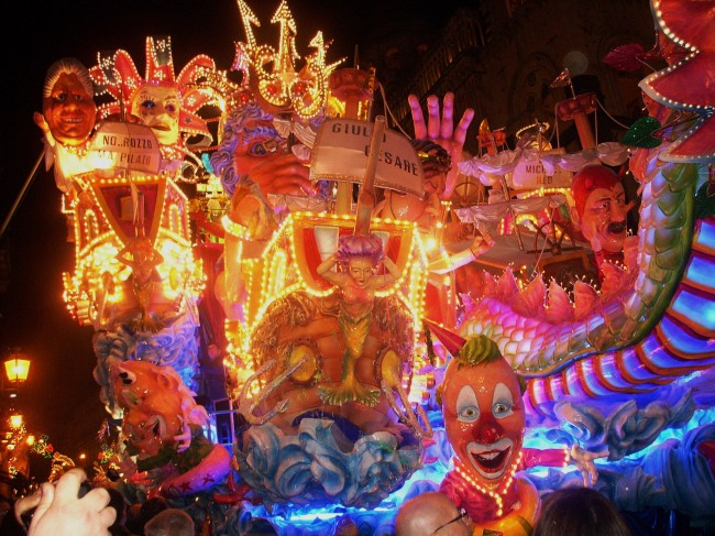 Carnival_at_Acireale