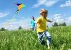 boy_flying_kite