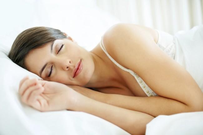 iStock_Woman_Sleeping_Matt_Protector