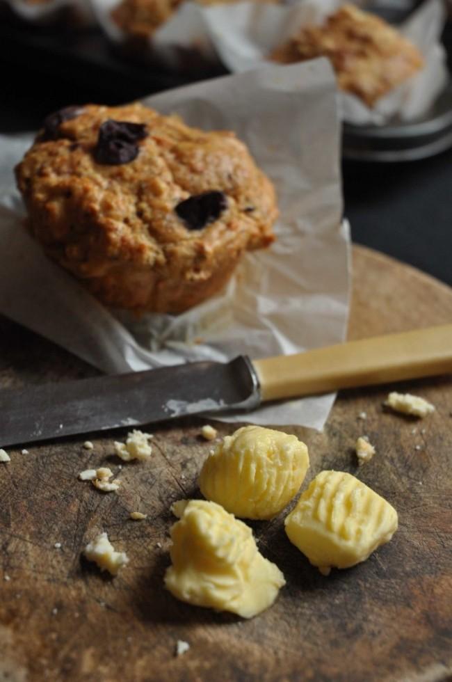 Feta-and-sundried-tomato-muffins-3-680x1024