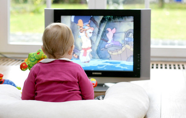 baby-watching-television-jpg_104949
