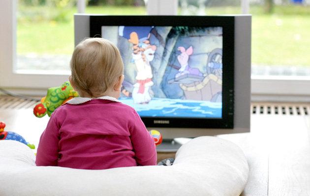 Πόση ώρα επιτρέπεται να βλέπει τηλεόραση ένα μικρό παιδί ...