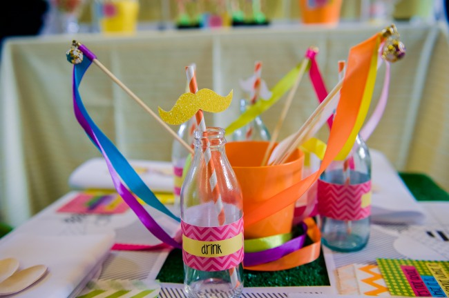 lorax-girls-bday-birthday-party-striped-straw-moutache-ribbon-wand-bottles-drink-kids