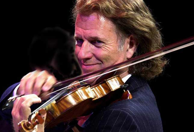 Andre-Rieu-inspired-fans