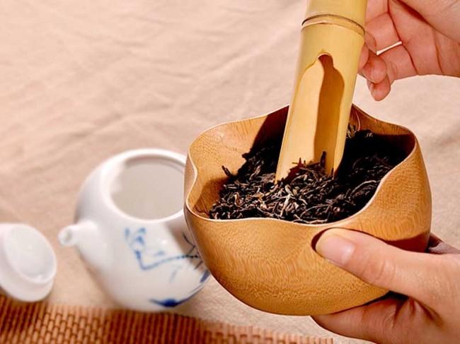 Hand-carving-Moso-Bamboo-Tea-Holder-Lotus-Leaf-7
