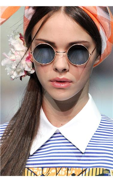 Η Μόδα θέλει τα γυαλιά ηλίου να κλέβουν τις εντυπώσεις  411b2899dc0
