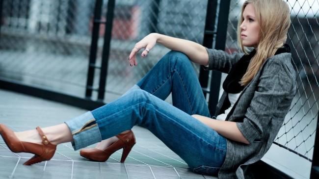 Women-Fashion-Jeans-2013-HD-Wallpaper