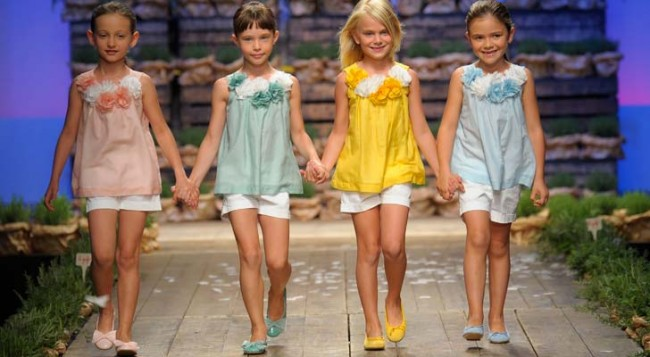 cc0bb2155ade Σίγουρα τα περσινά ανοιξιάτικα ρούχα δεν τους κάνουν πια