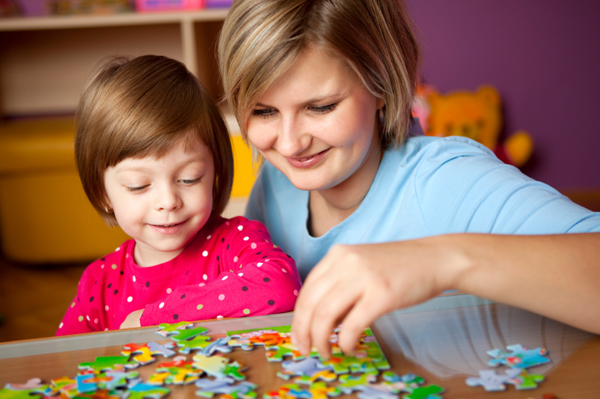 mom-daughter-puzzles