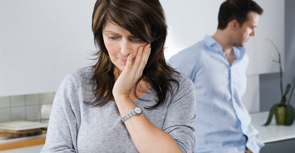 reconsidering-divorce-COUPLE