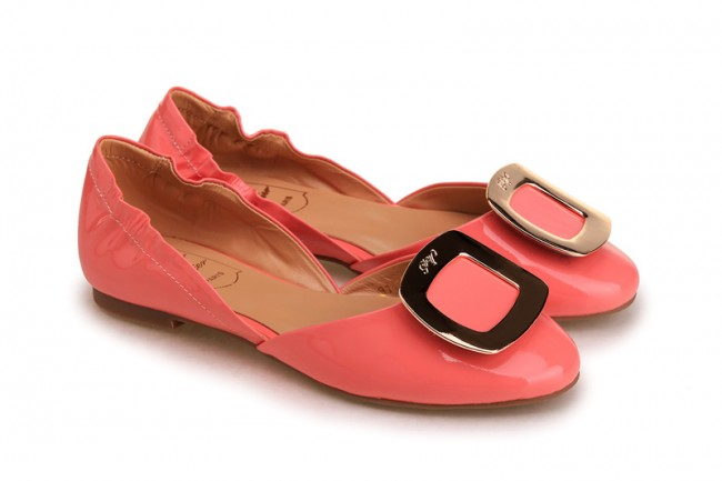 rogervivier-pink-patent-leather-metal-square-logo-ballerina-rv-8111p