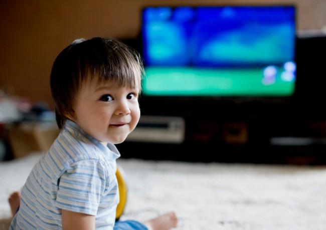 toddler-watching-tv